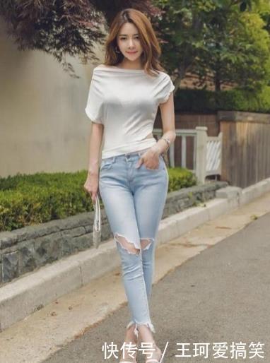 靓丽的打底裤小姐姐,身姿挺拔,优雅又迷人